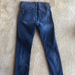 Performance Stretch Mid- rise Express Jeans